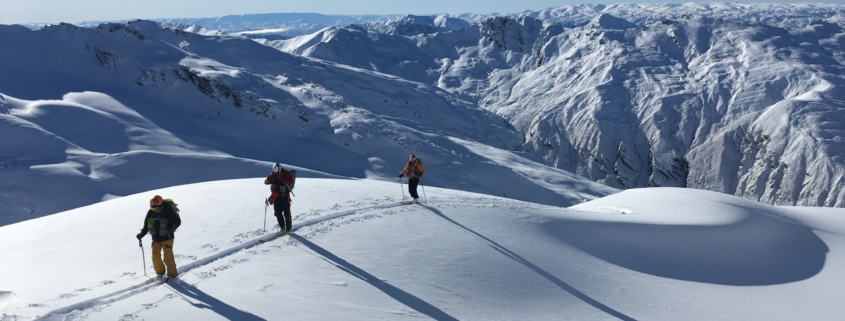 Skiing the Mahu Whenua Traverse